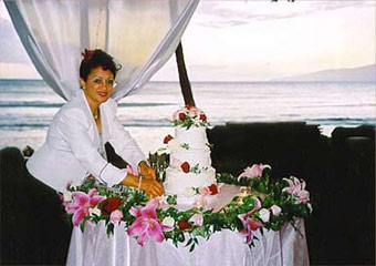 Award winning Marie Ghiselaine and a gorgeous wedding cake by the sea